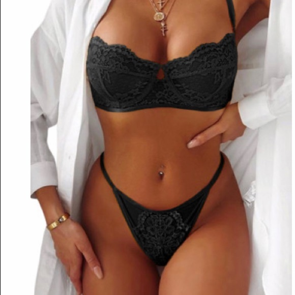 UNBRANDED Other - BLACK BLOSSOM BALCONY AND THONG NWOT